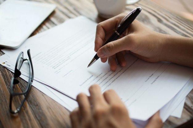 Permisos de residencia después del divorcio, ¿Qué hacer para regularizar la situación?